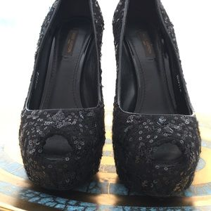 Louis Vuitton Black sequin Heels size 37.5